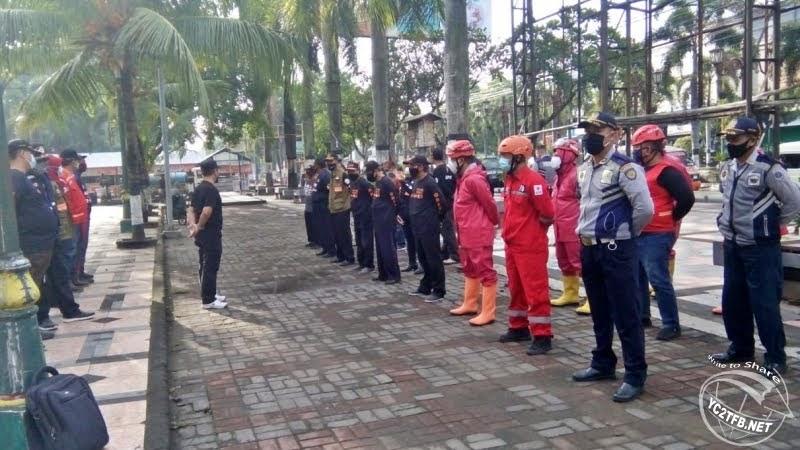 Sebanyak 30 orang anggota gabungan dari PMI, ORARI, PDAM, Dishub, Camat Klaten Tengah dan Sekcam Klaten Utara.